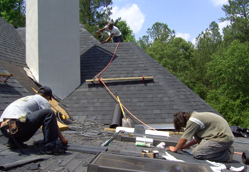 Roofing Contractor in Parkville